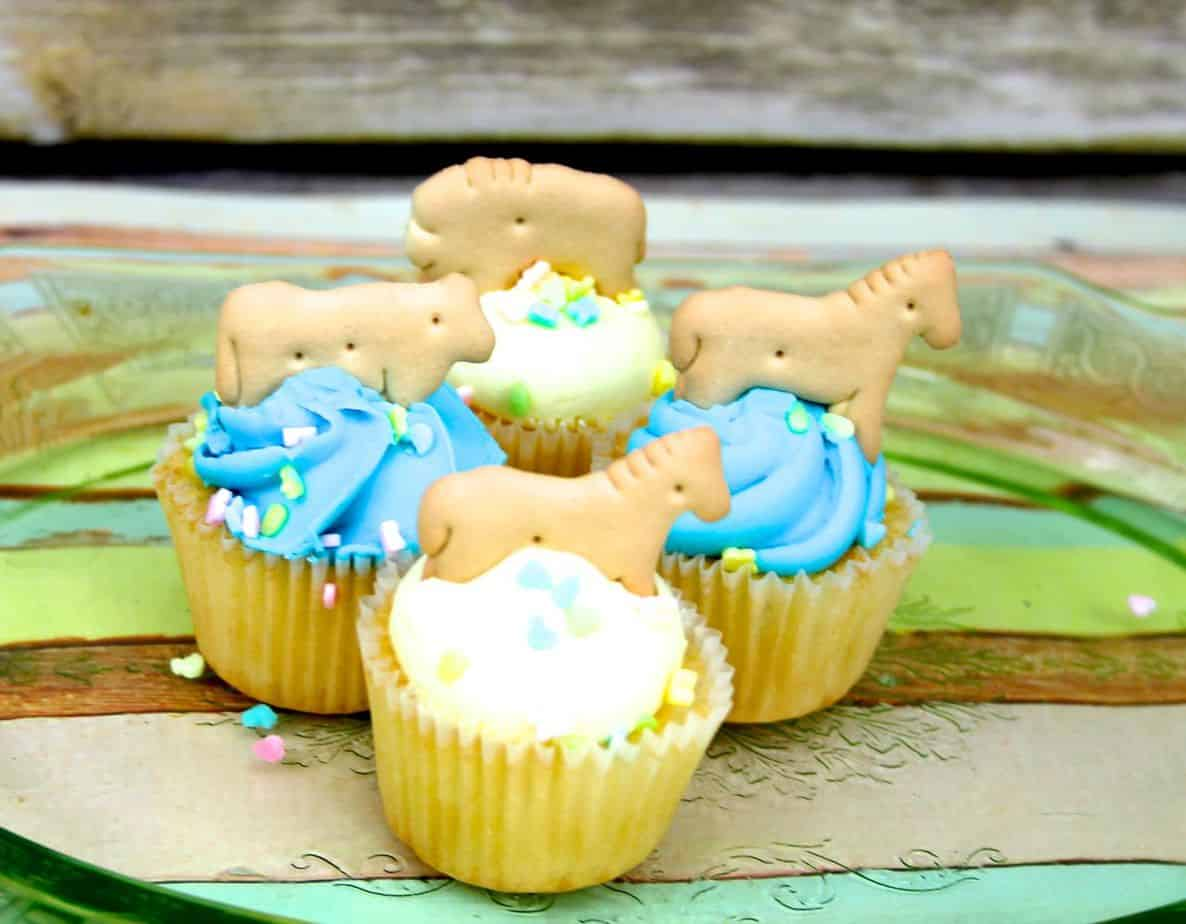 Verwonderend Easy Baby Shower Cupcakes - Ever After in the Woods IH-63
