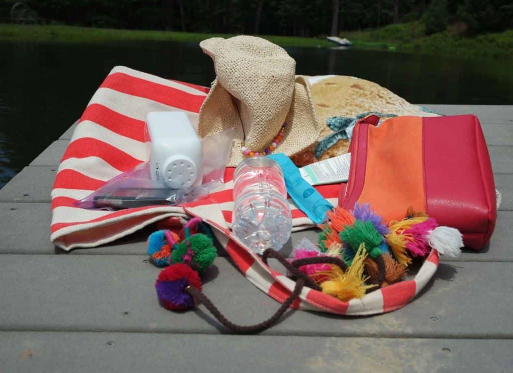 beach-bag-tassels-pom-poms
