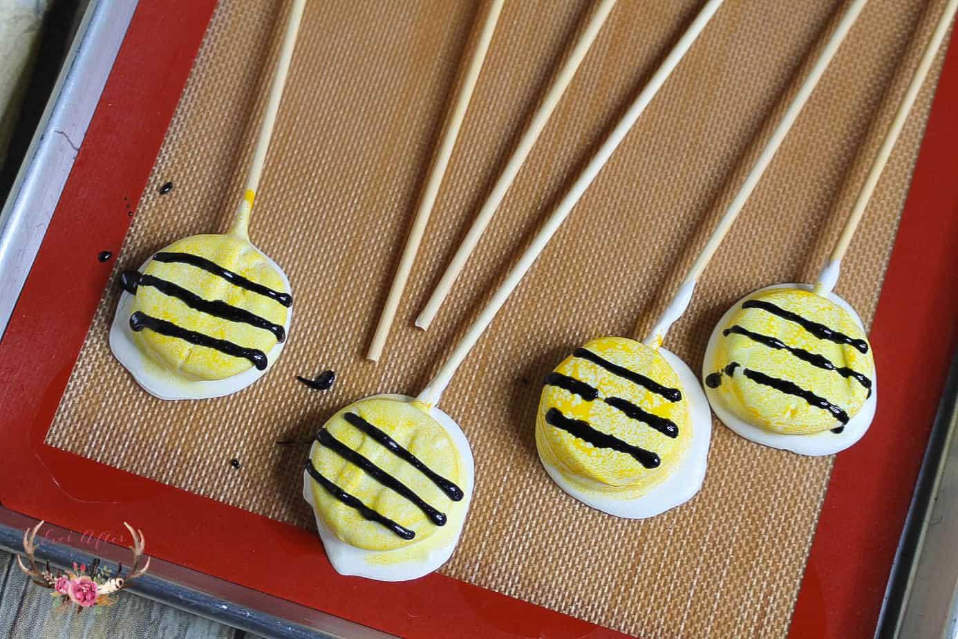 Oreo Bumble Bee Cookies