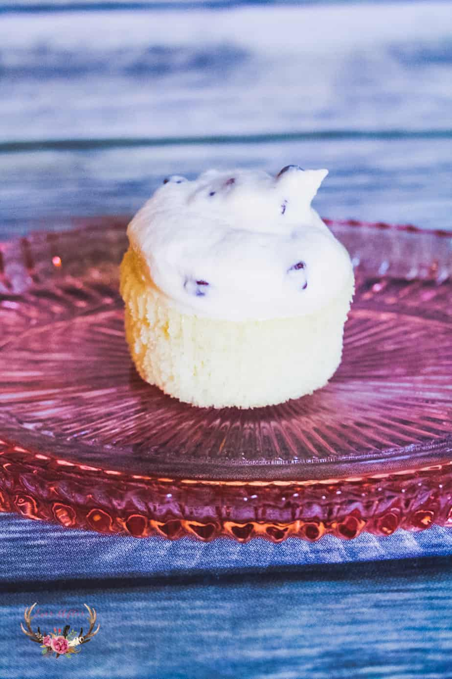 Here is an easy cannoli cupcake recipe that tastes just like the Authentic cannoli filling. Obviously the cannoli filling is the best part of this Italian dessert!