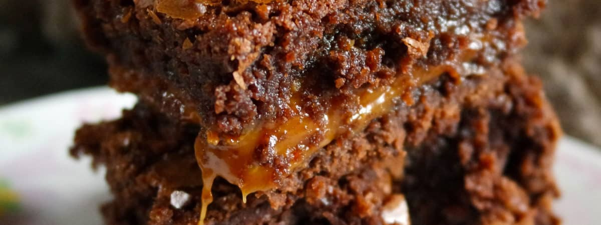 chewy gooey fudge brownies with caramel layer