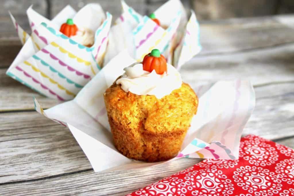 moist delicious carrot cake cupcakes