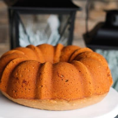 this Spiced Chai Pound Cake recipe is the ultimate cake recipe