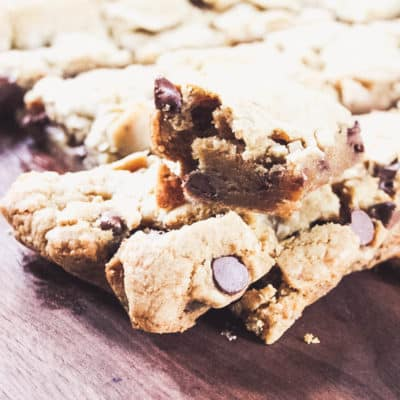 easy chewy chocolate chip cookie bars