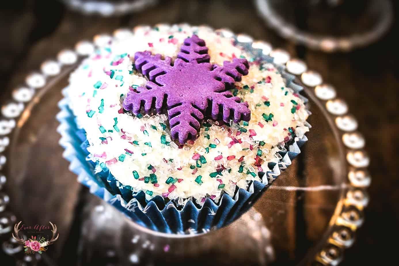 snowflake cupcakes christmas cupcakes | christmas ideas