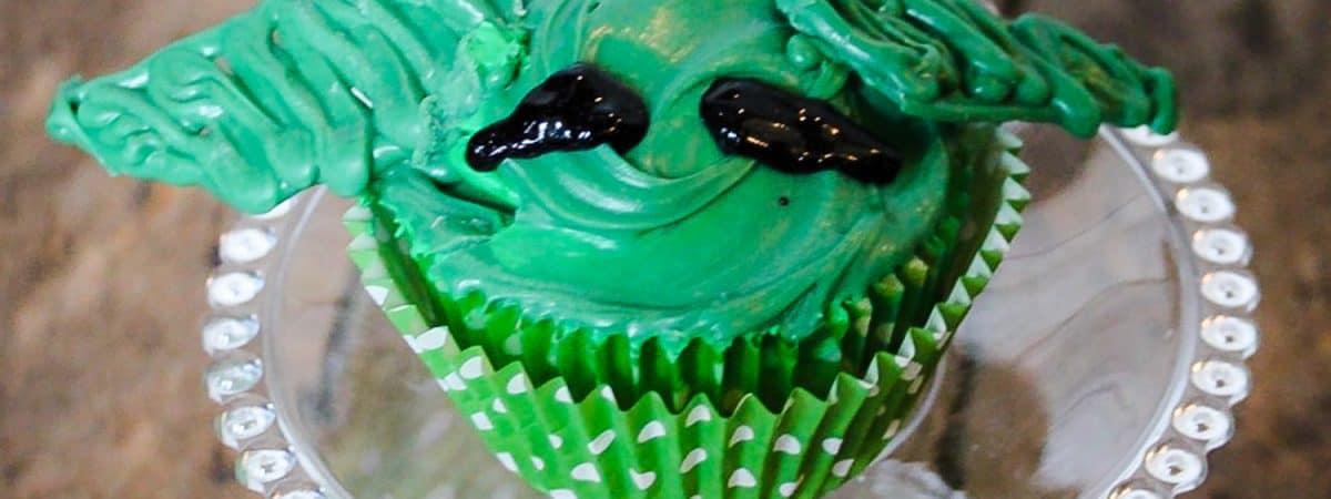mandalorian cupcakes
