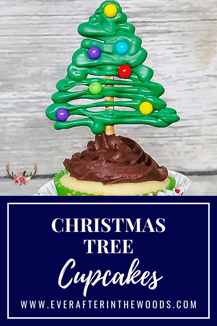 What screams the holidays more than these Christmas tree cupcakes? I think they look pretty good but the surprising part was HOW EASY it was to make them with only 3 ingredients.