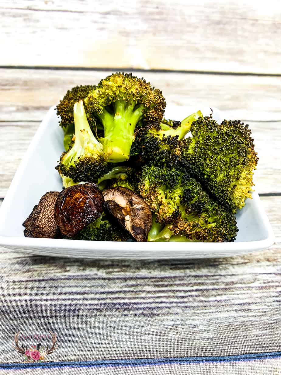 just made the best roasted broccoli and mushroom ever! These vegetables are so soft and sweet with caramelized edges – It is so good, I may or may not have eaten the entire pan by myself.