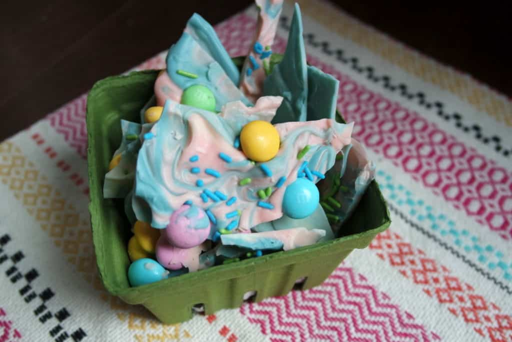 easy unicorn chocolate bark for birthday parties