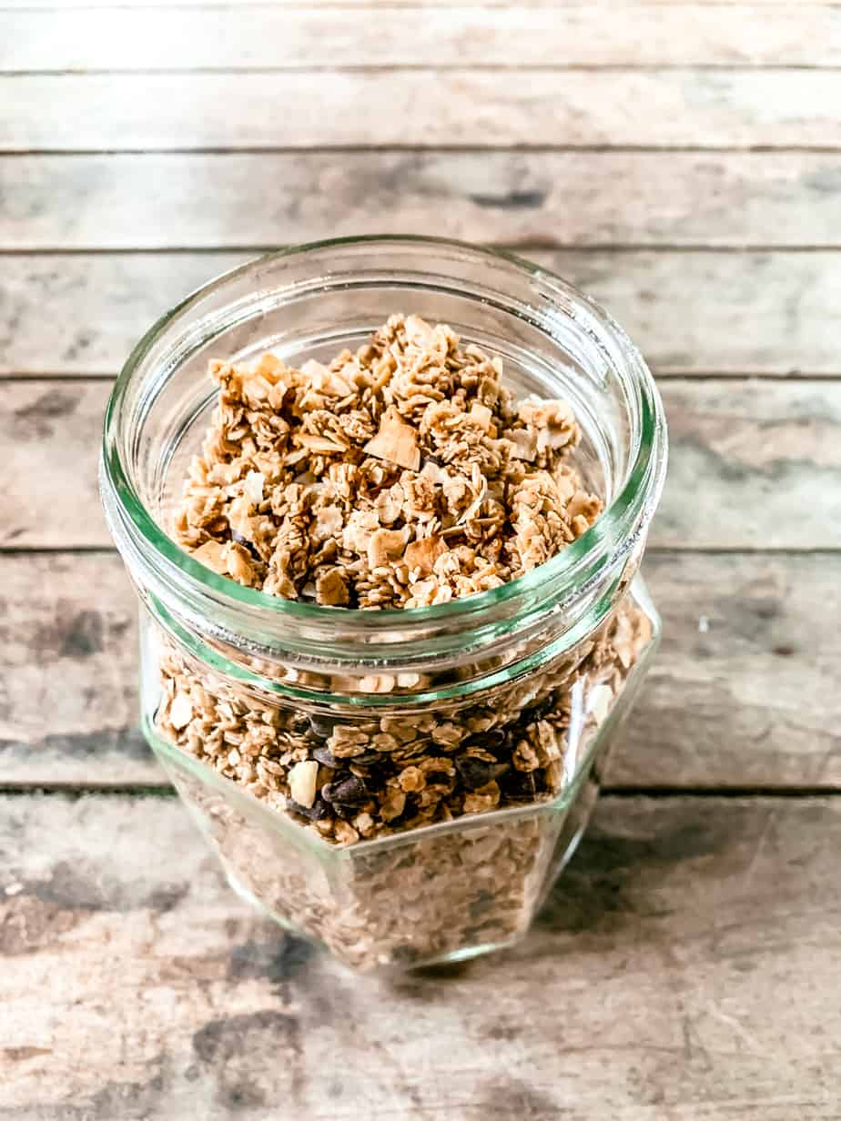 coconut chocolate chip granola oats
