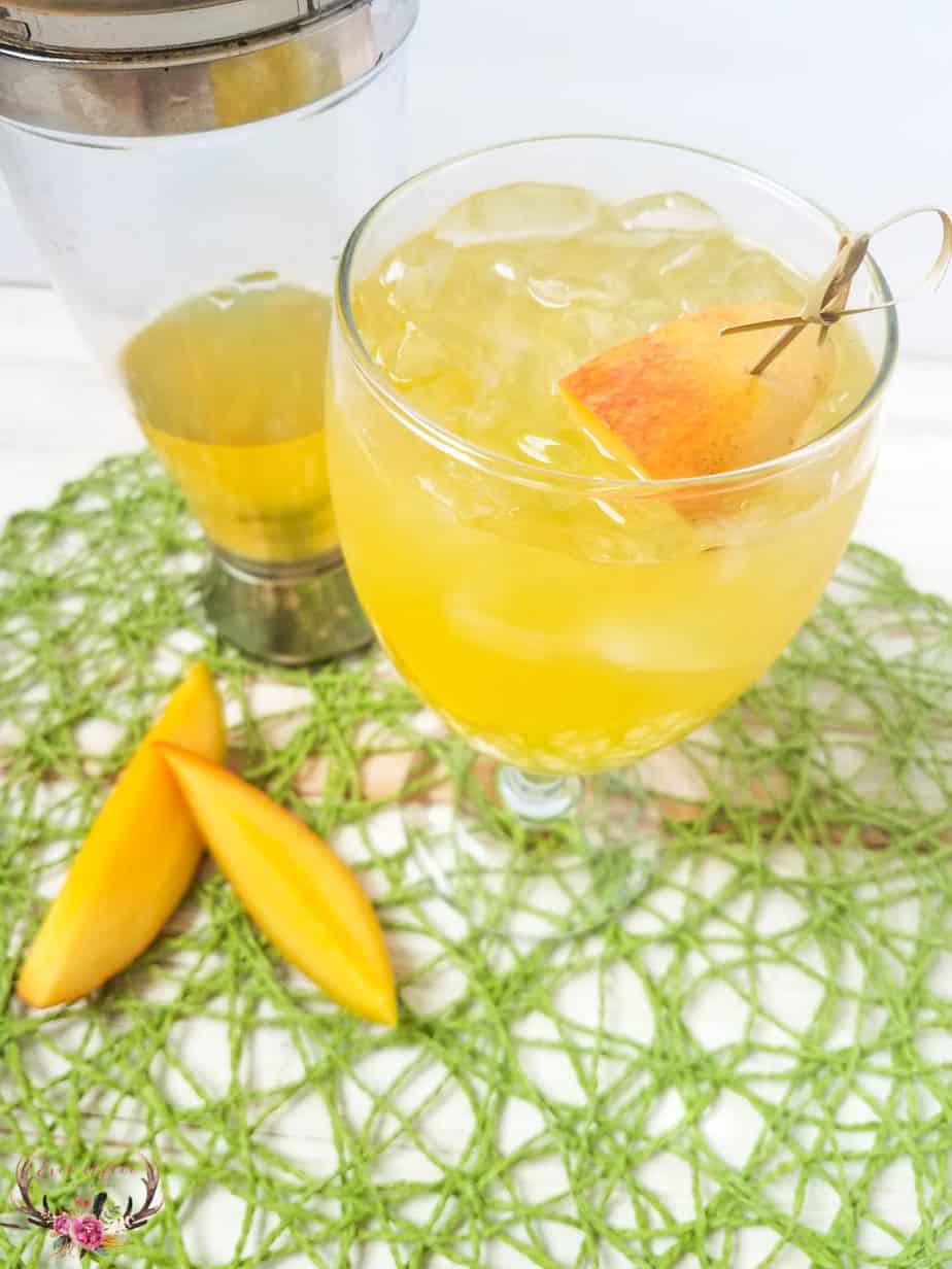 Mango and Vodka Summer Breeze Cocktail