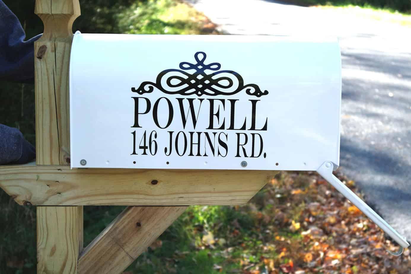 diy vinyl mailbox cricut