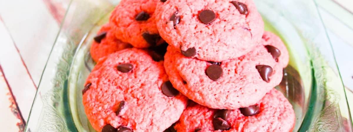 pink velvet chocolate chip cookie recipe #helpingcookies