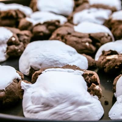 cookies with almonds, chocolate and marshmallow