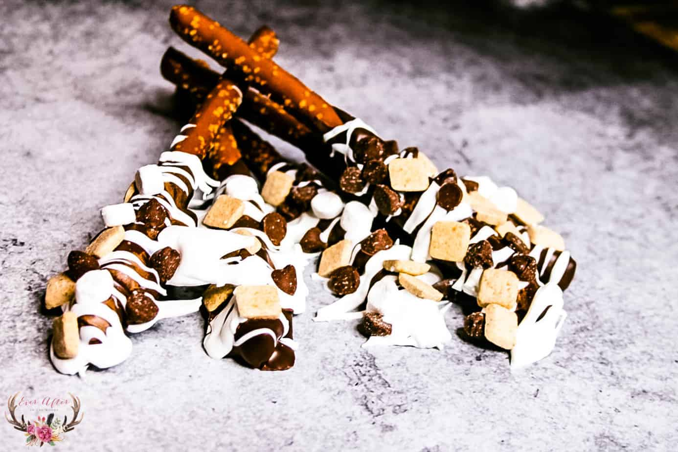 s'mores pretzel with chocolate, marshmallow and graham cracker
