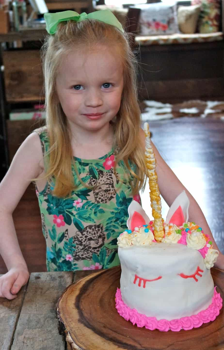 easy unicorn cake for girl birthday